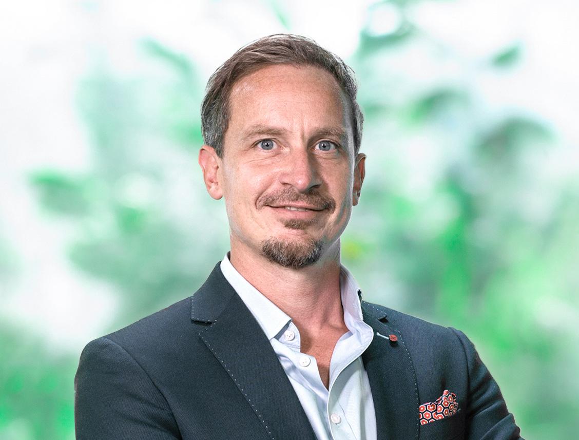 Beursjournalist Achim Mautz is een professionele day- en swingtrader met de focus op de Amerikaanse markten